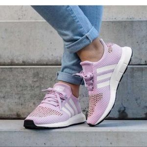 Adidas Swift Run Aero Pink